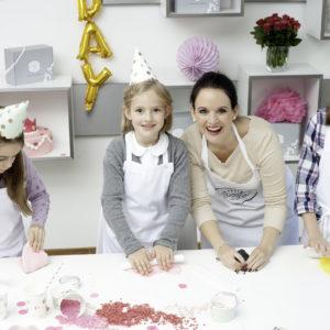 Backkurs für Kinder in München, Kekse und Cupcakes, Mein Keksdesign Kindergeburtstag