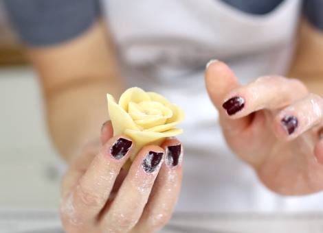 Mein Keksdesign Keksrosen Rezept YouTube Video Anleitung fmm Easy Rose Cutter