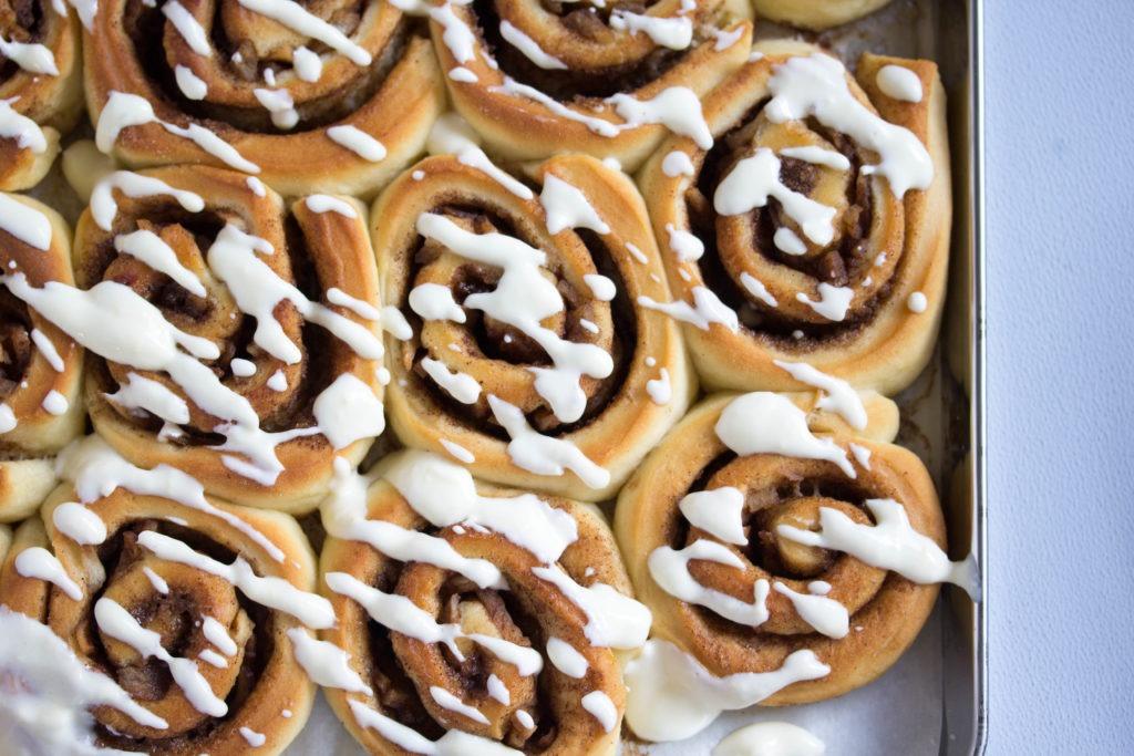 Schnelles Rezept für saftige Zimtschnecken und Cinnamon Rolls