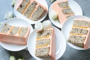 No Drama Llama Torte mit Mohn-Pfirsich-Füllung und Buttercreme