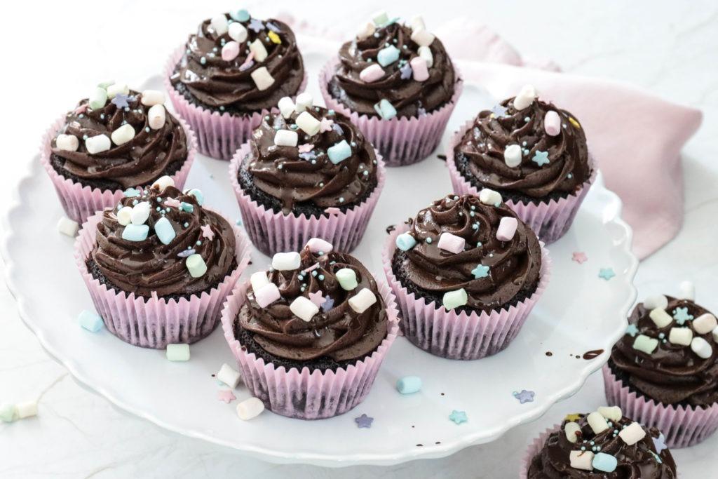 Zum Reinbeissen lecker: Schoko Cupcakes