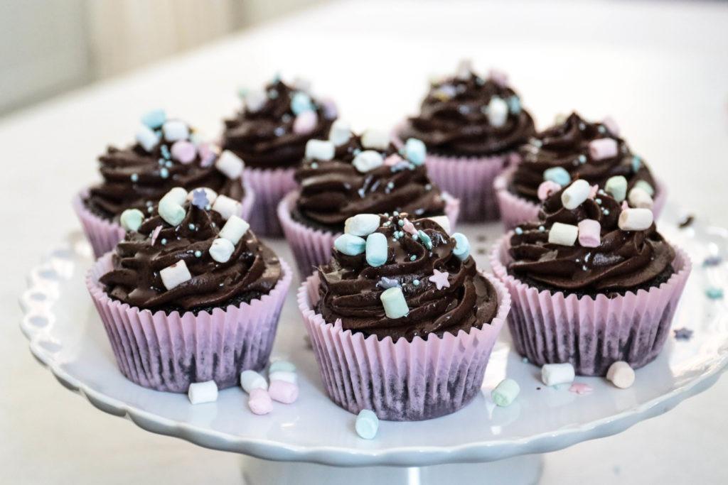 Das schnellste Cupcake Rezept der Welt für Schoko Cupcakes