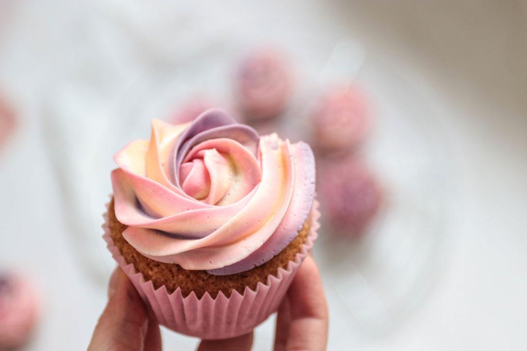 Cupcake Dekoration mit Französischer Buttercreme