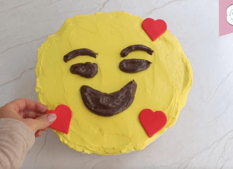 Emoji Cupcake Torte