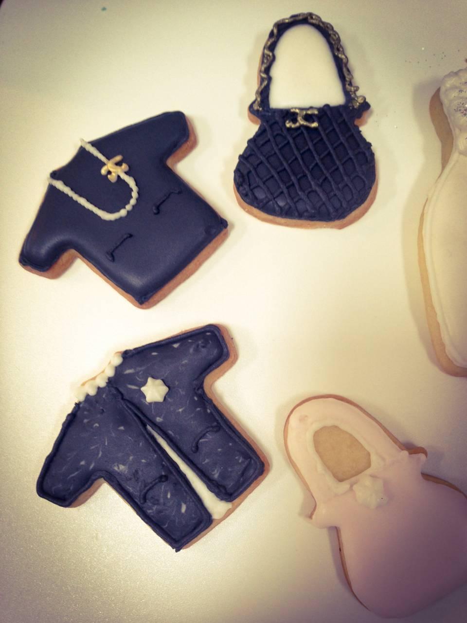 Abendkleider, Cocktailkleider, Schuhe & mehr - Mein Keksdesign